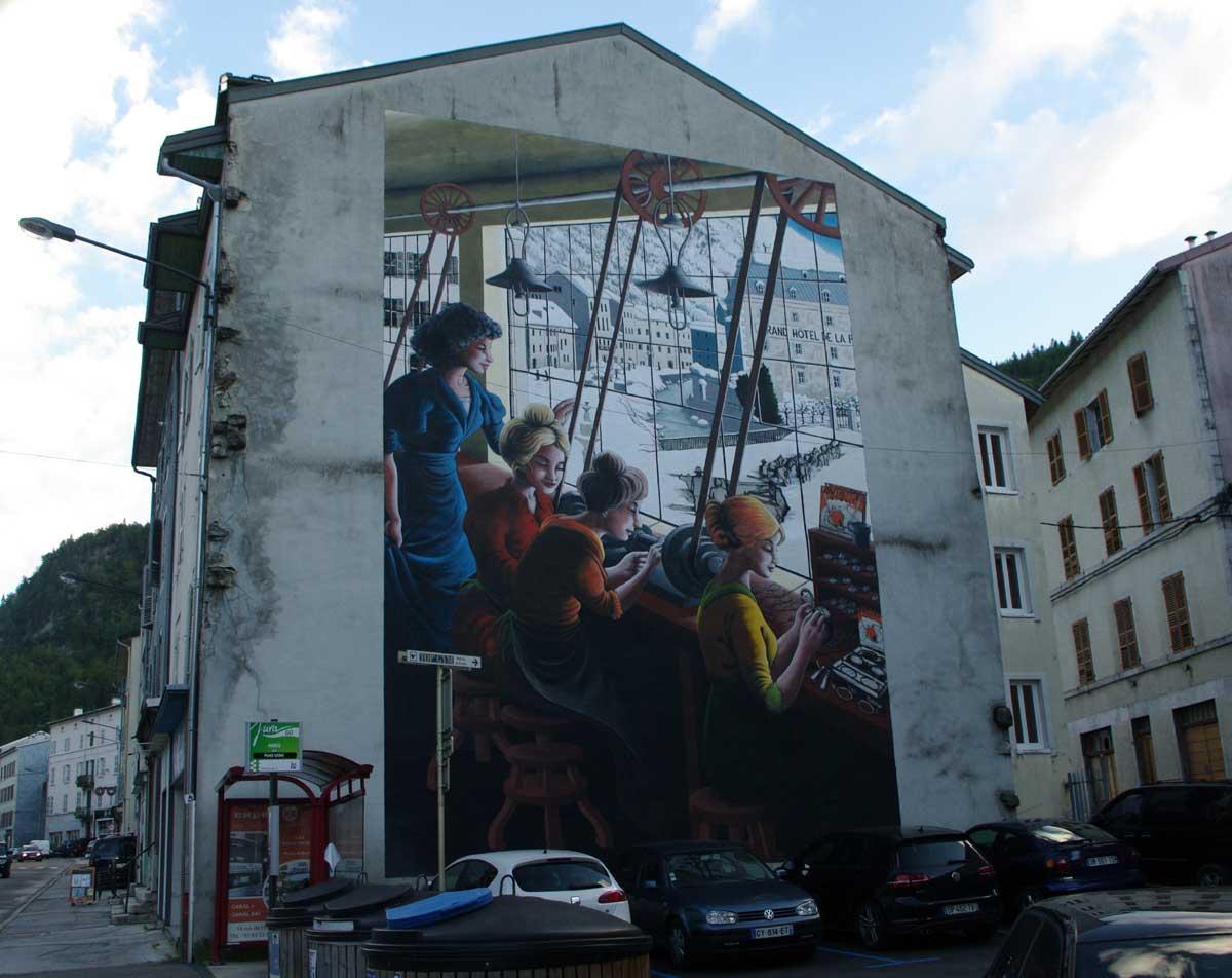 Fresque des lunetiers a Morez Jura